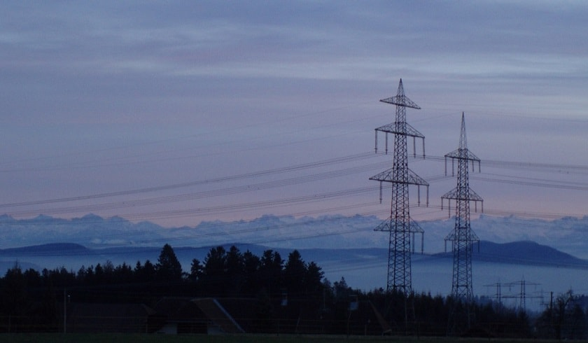 Electricity masts and the Swiss Alps