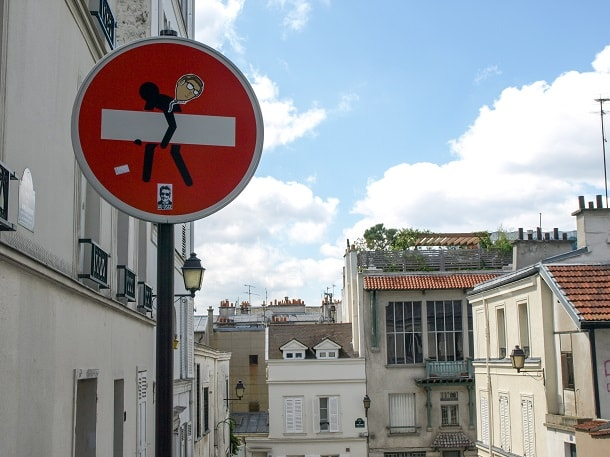 Stealing the sign at Montmartre