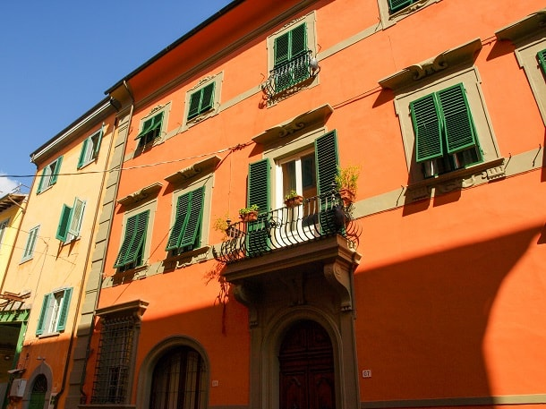 House facades in Pisa