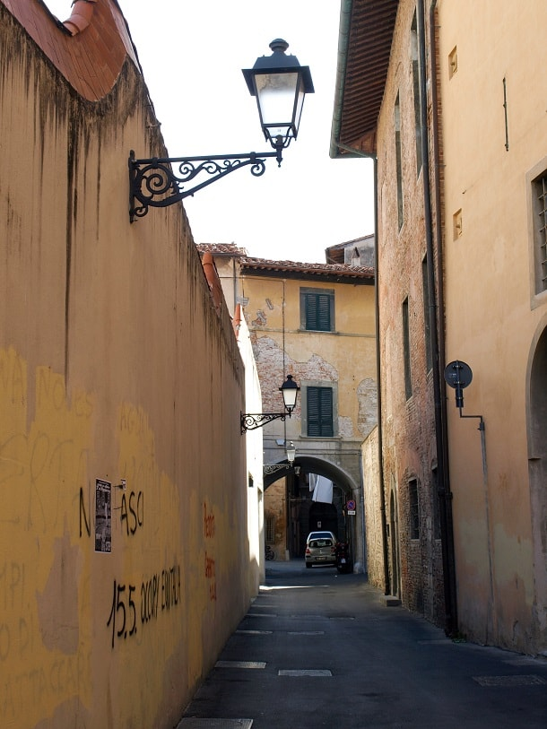 Small alley in Pisa