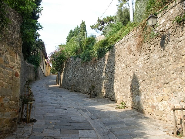 The road to the church and convent of San Francesco