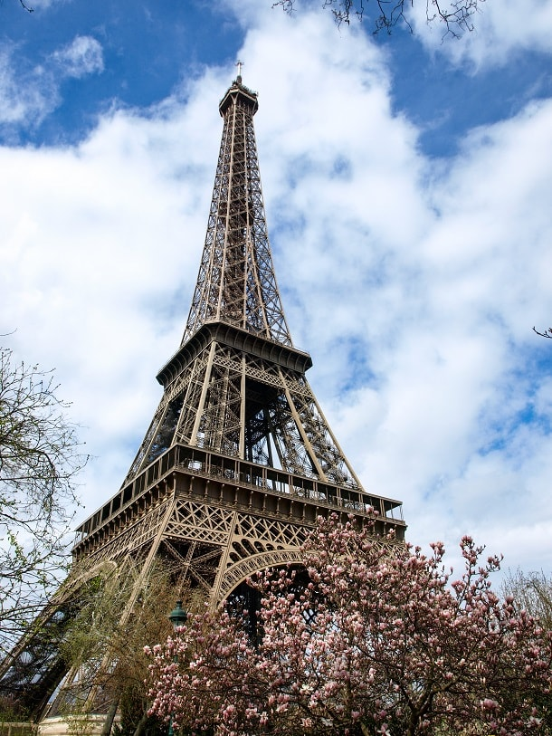 Tour d'Eiffel in the spring