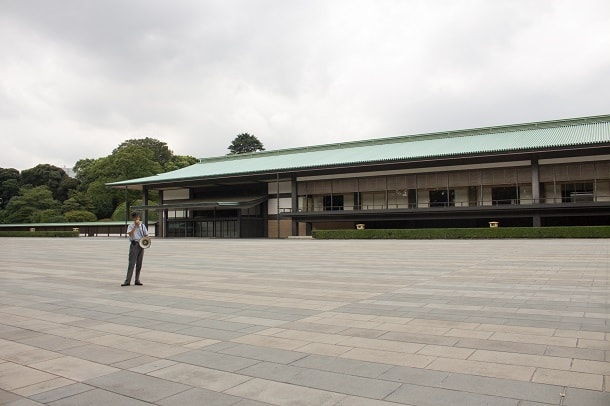 Our guide in front of the Kyuden building of the Imperial Palace in Tokyo