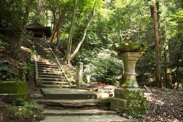 Stairs to Oku-no-in