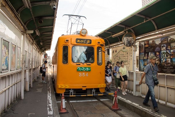 The tram to Sumiyoshi Taisha Shrine