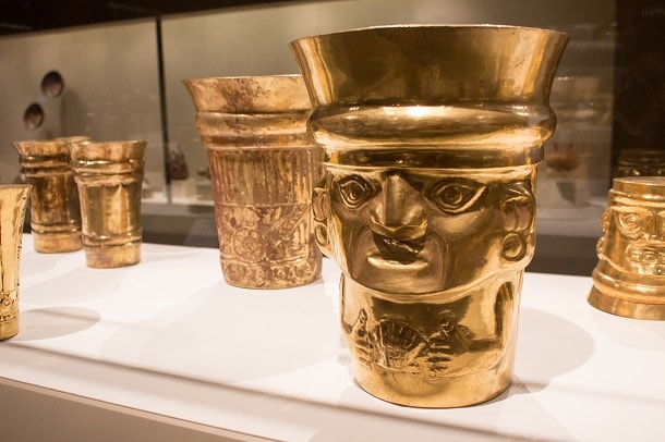 Gold beakers, precolumbian art